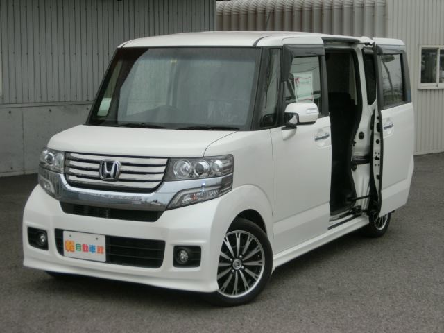 N-BOXカスタム G・ターボSSパッケージ 4WD