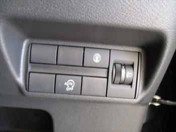 eKクロス M 未使用車 4WD