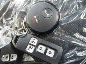 N-BOXカスタム SSブラックスタイルパッケージ 4WD