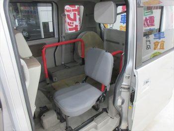 エブリイワゴン  福祉車両 車いす移動車 後部電動固定 リヤシート付 4WD