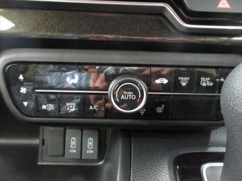 N-BOXカスタム  G・L ホンダセンシング 未使用車 4WD