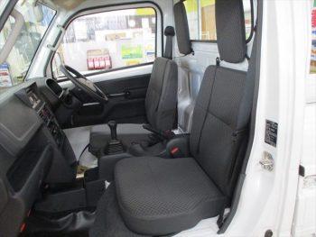NT100クリッパートラック GX  未使用車 踏み間違い衝突防止アシスト 4WD