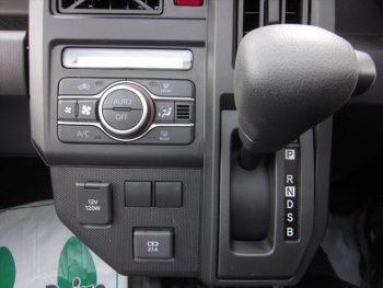 タフト X 未使用車 4WD