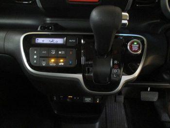 N-BOXカスタム G SSブラックスタイルパッケージ 4WD