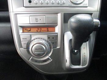 ゼストスパーク W 4WD