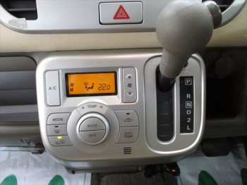 モコ E FOURエアロスタイル 4WD