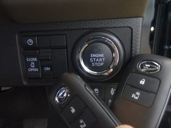 タント Xターボセレクション 未使用車 4WD