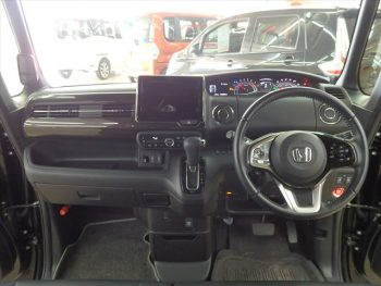 N-BOXカスタム G・Lターボ ホンダセンシング 4WD