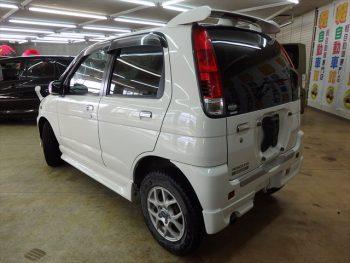 テリオスキッド カスタムX 4WD